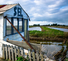 Vendée, France; January 15, 2021: Photo Of An Old Abandoned Salt Hut, In The Salt Marshes Of Noirmoutier Island.