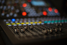Sound Panel . Online Streaming