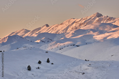 Obraz na plátne Pizzo Cefalone coperto di neve al tramonto - Gran Sasso - Abruzzo