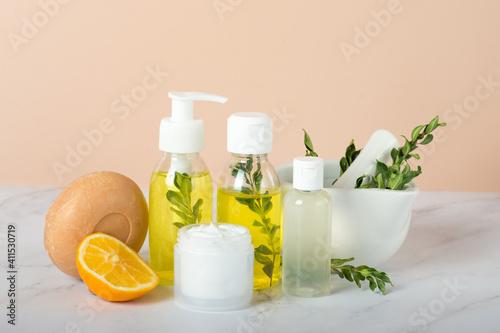 Obraz na plátně Homemade skin care and body scrub with natural ingredients lemon slice