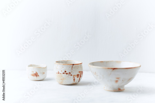 Canvastavla Traditional, handcrafted ceramic on bright wooden background