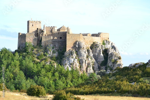 Fotografie, Obraz Paisaje con Castillo de Loarre en Huesca, Aragón en España