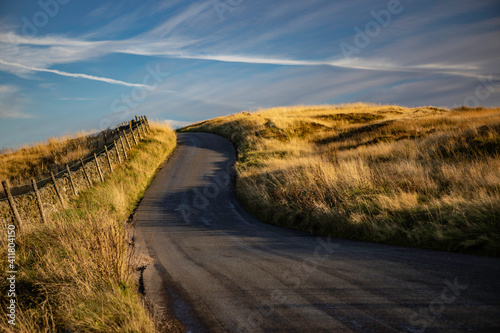 Canvas Print Road Amidst Field Against Sky