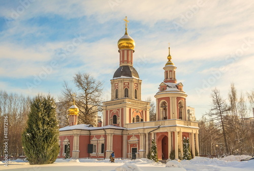 Papel de parede The Church of the Life-Giving Trinity was built in the Naryshkinskoe Baroque sty