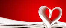 Forma Di Cuore Con Le Pagine Di Un Libro