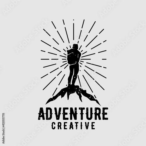 Fotografía creative backpack adventure logo vector illustration design concept a man climbs