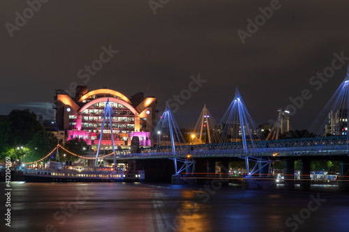 Illuminated Bridge Over River At Night фототапет