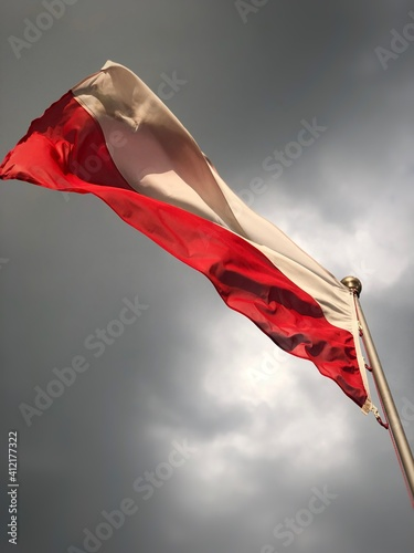 Low Angle View Of Flag Against Sky Fototapet