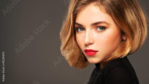 Closeup portrait of an young adult girl with medium length hair Fotobehang