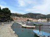 Fototapeta Do pokoju - Boats Moored In Hvar Harbour Against Sky