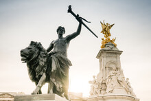 The Victoria Memorial Is A Monument To Queen Victoria, Located At The End Of The Mall In London Right Outside The Gates Of Buckingham Palace.