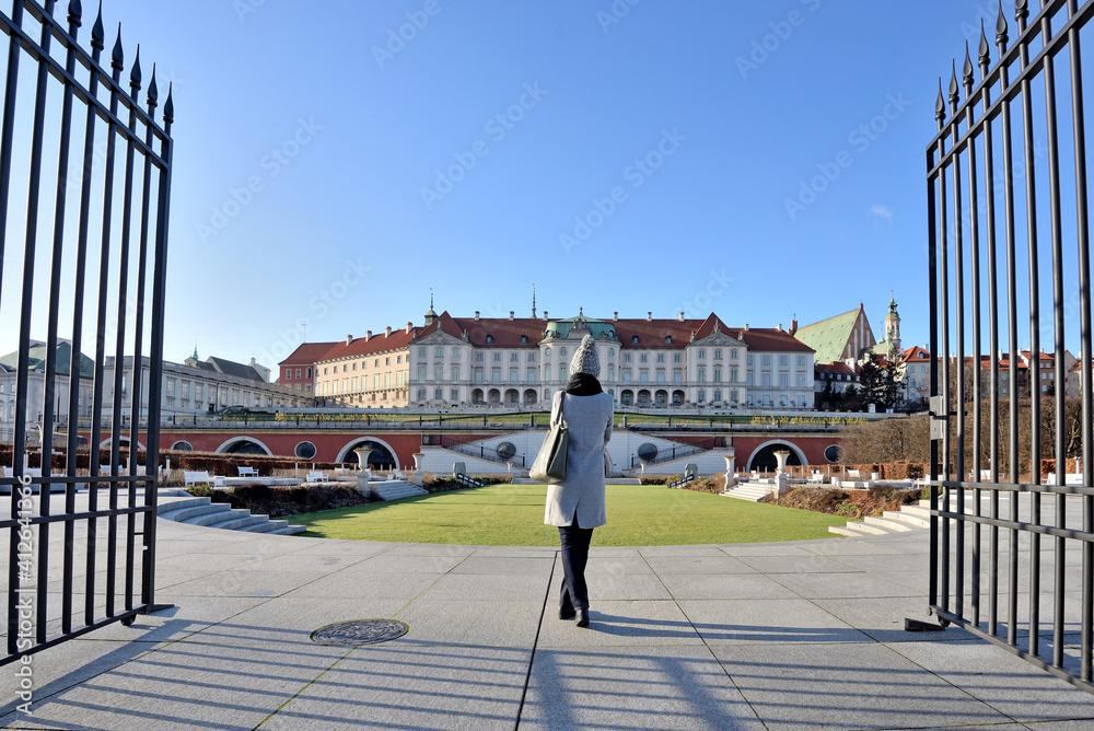 Fototapeta Ogrody Zamkowe – ogród przylegający do Zamku Królewskiego w Warszawie.