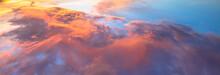 Céu Com Nuvens Ao Por Do Sol