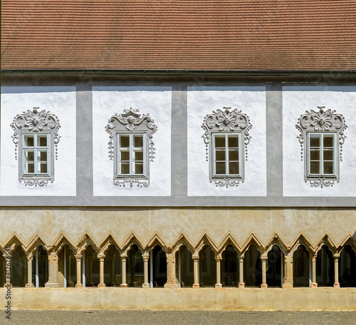 Obraz na plátně inner yard of the former  Friars Minor Conventual monastery with cloister and wi