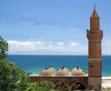 The Point Where The Mosque Which Is  A Symbol Of The Islamic Religion Meets The Blue Sky