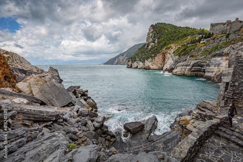 Tableau sur Toile Cliff sea coast with Grotta di Lord Byron in Portovenere or Porto Venere town on Ligurian coast