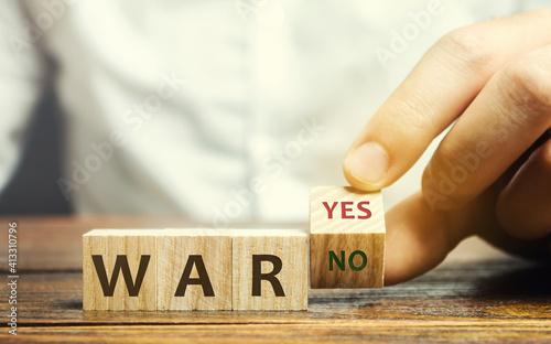 Billede på lærred Wooden blocks with the words War, yes and no