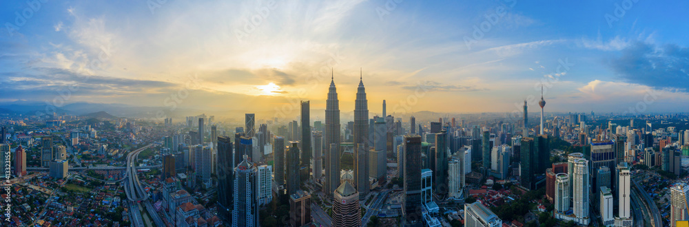 Fototapeta Aerial Panoramic View Of Sunrise At Kuala Lumpur City Skyline