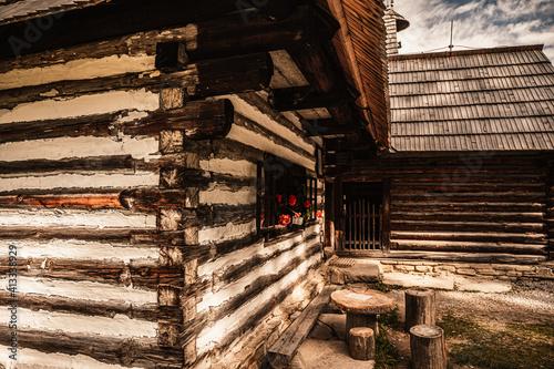 Obraz Orava village museum, Zuberec , Slovakia. Village of folk architecture in the natural environment - fototapety do salonu