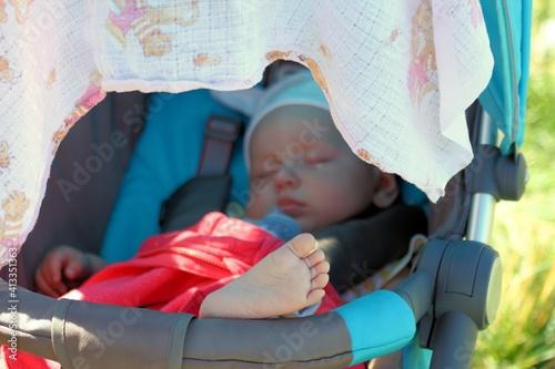 Fototapeta bobasy, dzieci, mama, uśmiech, buzia, dzieciństwo, noworodek, berbeć, portret. obraz