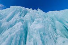 北海道冬の風景 支笏湖の氷濤まつり