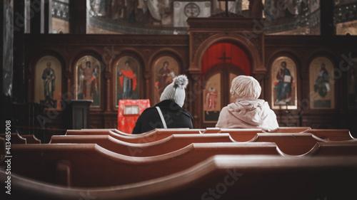 Slika na platnu church in the church