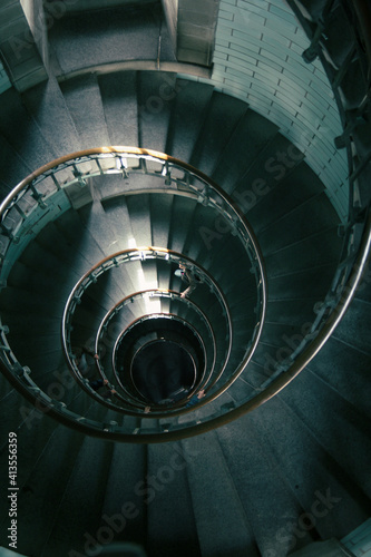 Foto circular staircase in the interior lighthouse of Brittany