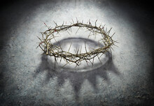 Wreath Of Thorns With King Crown Shadow - Passion And Triumph Of Jesus