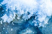 Winter - Schnee - Eis - Kristalle - Frost - Gefroren - Wasser