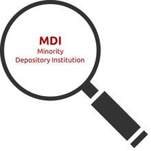 MDI. Minority Depository Institution. Text Hinter Einer Lupe. Isoliert Freigestellt Vor Weißem Hintergrund.