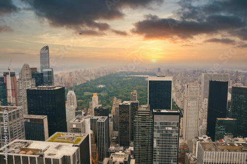 Fototapeta New York city central park view from rockefeller center landscape panorama at su