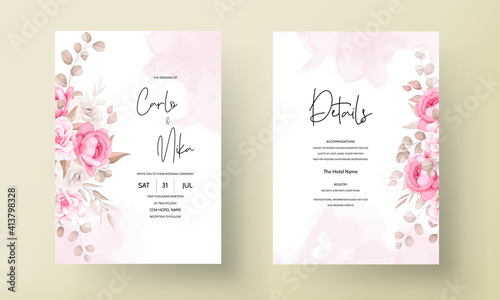 Photo Beautiful soft peach and brown floral wedding invitation template