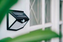 Small Solar Powered Led Light With Motion Sensor