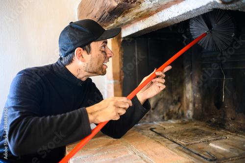 Fotografía Young chimney sweep at work