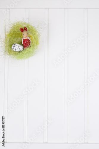 Fototapeta Zajączek wielkanocny i jajko przepiórcze obraz