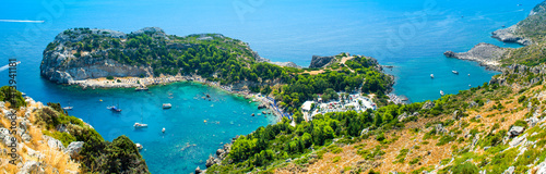 Photo Aerial panoramic landscape of Anthony Quinn Bay in Rhodes island