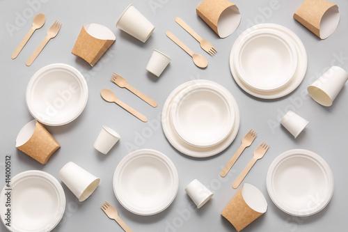 Eco tableware on light background © Pixel-Shot