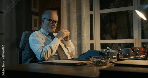 Fototapeta Professor struggling with writer's block obraz
