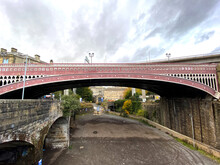 North Bridge, The Victorian Iron And Stone Bridge, Opened In 1871 In, Halifax, Yorkshire, UK