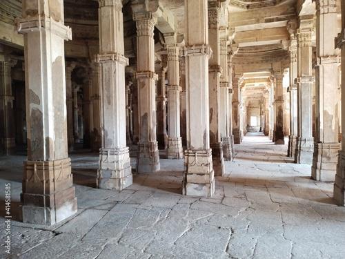 Fotografie, Obraz interior of the basilica of st mark country
