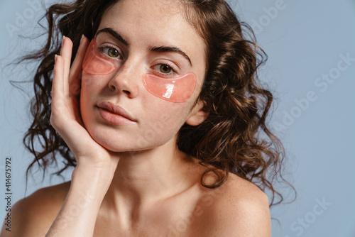 Canvastavla Beautiful half-naked nice girl posing with eye patches