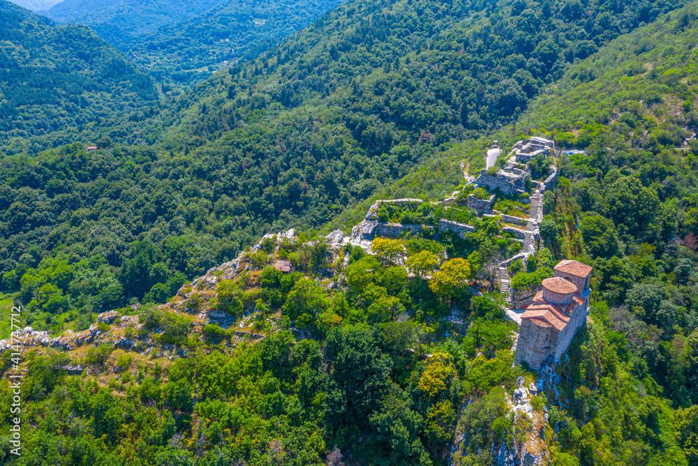 Obraz Aerial view of the Assen's Fortress in Bulgaria fototapeta, plakat