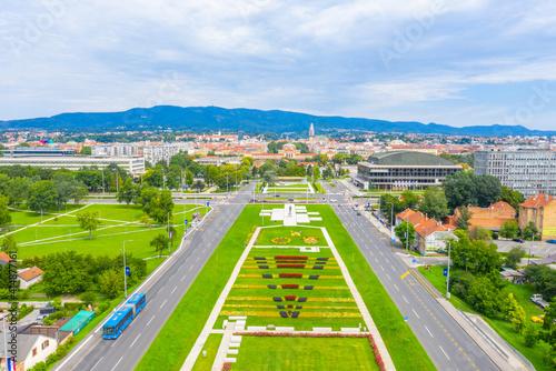 Obraz na plátně Aerial view of the park of fountains in Zagreb, Croatia