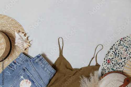 Obraz na płótnie Summer outfit on white background with copy space