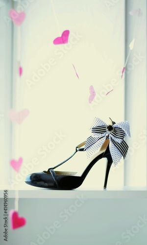 shoes, fashion, leather, high, white, black, pair, heel, elegance, heart, bow, b Poster Mural XXL