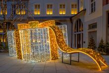 Beleuchtete Weihnachtsdekoration In München, Bayern, Deutschland