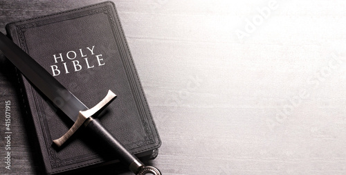 Obraz na plátně The Sword of the Spirit is the Word of God the Bible