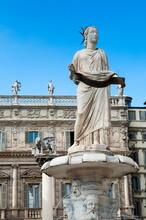 Madonna Verona Statue, The Venetian Lion Of San Marco, Palazzo Maffei, Piazza Delle Erbe, Verona, Veneto