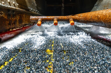 Vibrating Screen, Ore Washing With Liquid. The Liquid Is Poured Out In A Fan-like Stream From Special Nozzles