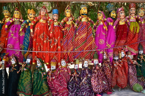 Obraz na plátně Colorful puppets in the inner courtyard of Mehrangarh fort